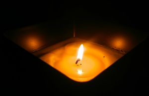 candle-1691572_1920